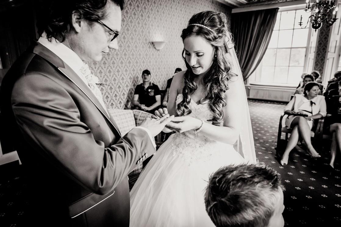 Martina Kelder Fotografie - bruidsfotografie - Leeuwarden - Friesland - Hans & Rosa-42