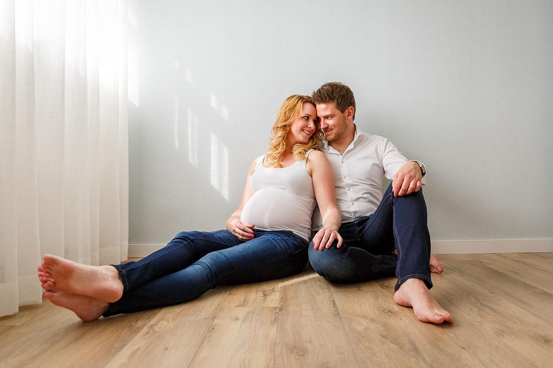 Martina-Kelder-Fotografie-bruidsfotografie-zwangerschapsshoot-Gramsbergen-Jasmijn&Eef-8